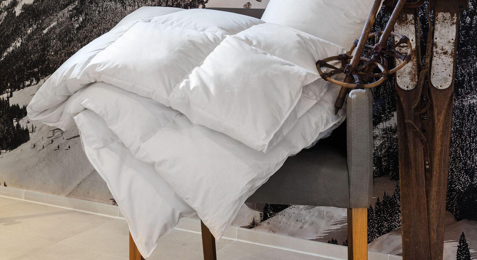 Daunen-Bettdecke Centa Star Moments warm mit Kassettensteppung