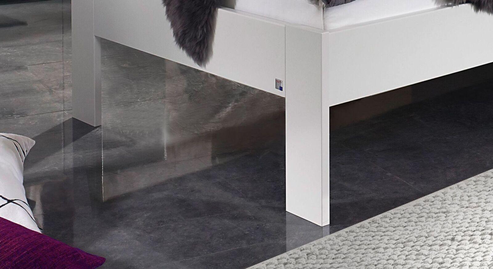 Designerbett Leilani mit schlichten Füßen