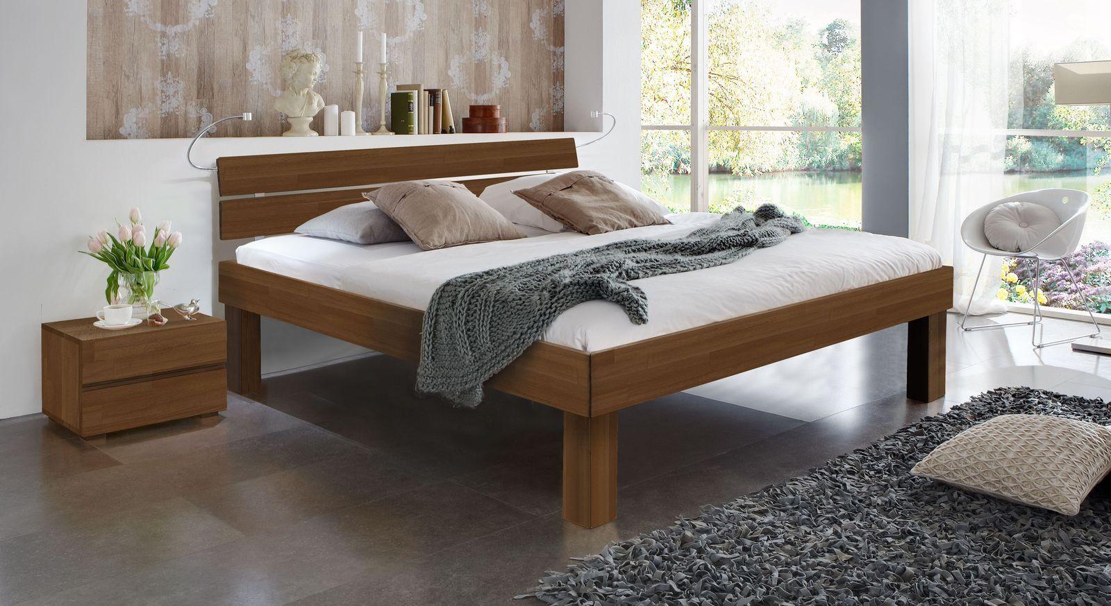 Nussbaumfarbenes Doppelbett Madrid Komfort in 30 cm Höhe