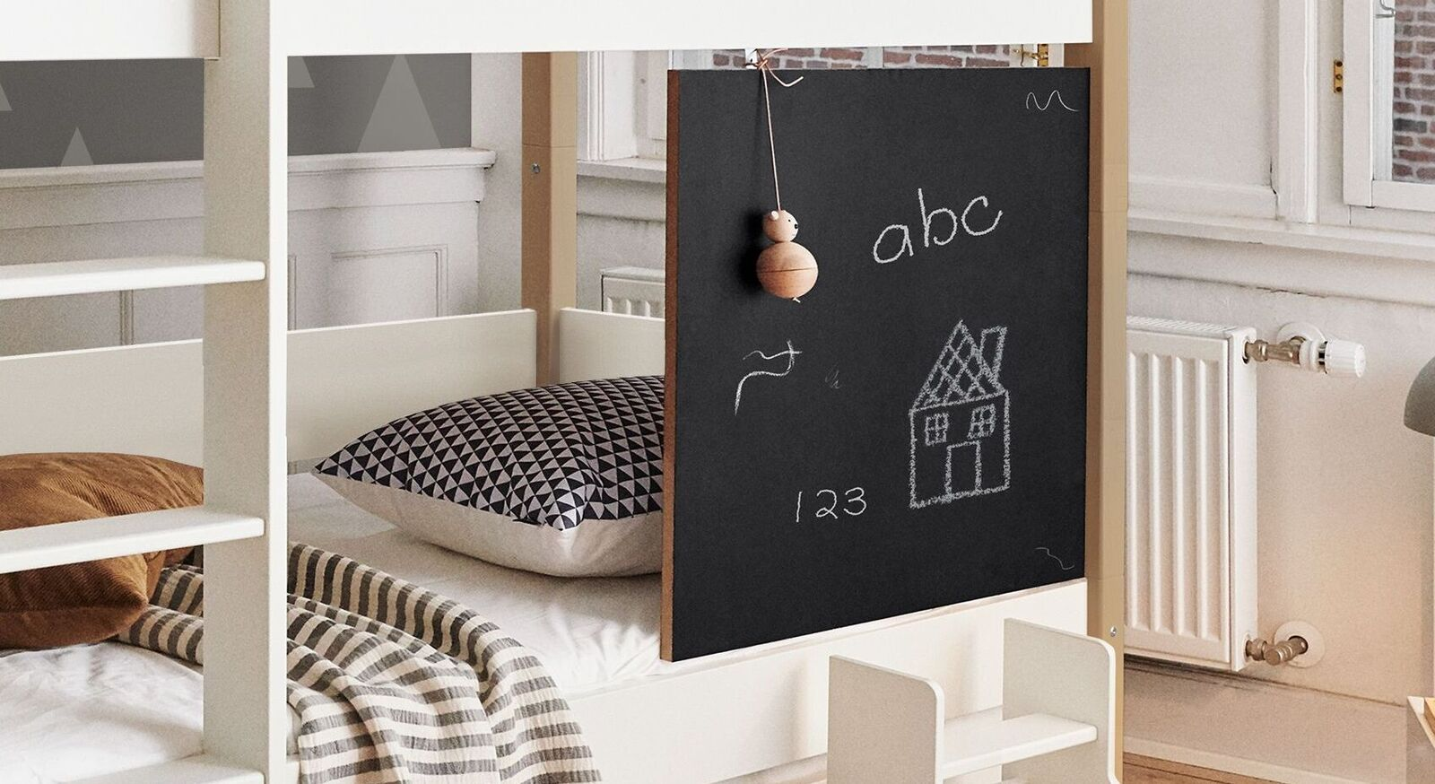Etagenbett Kids Town mit abwischbarer quadratischer Tafel