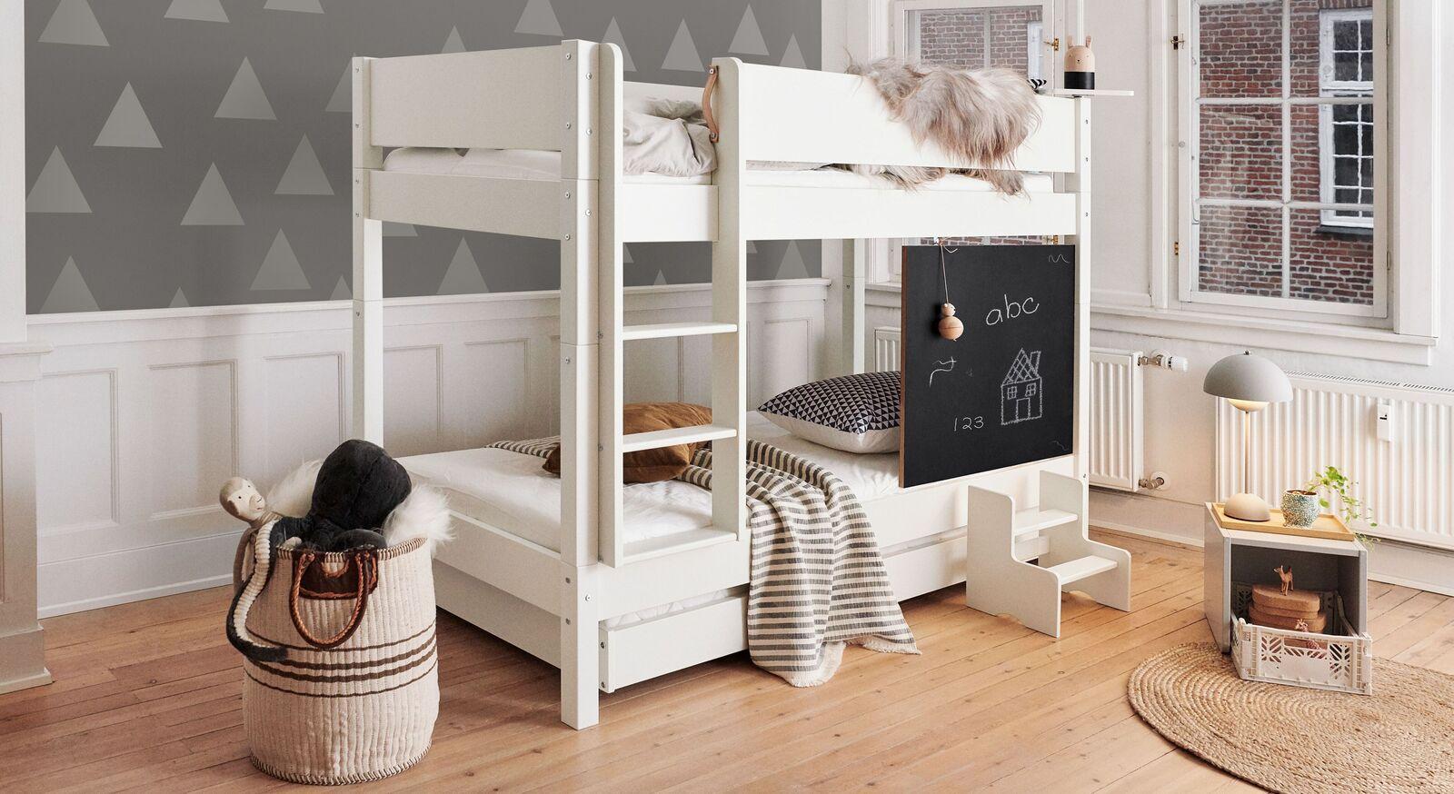 Modernes Etagenbett Kids Town mit Tafel