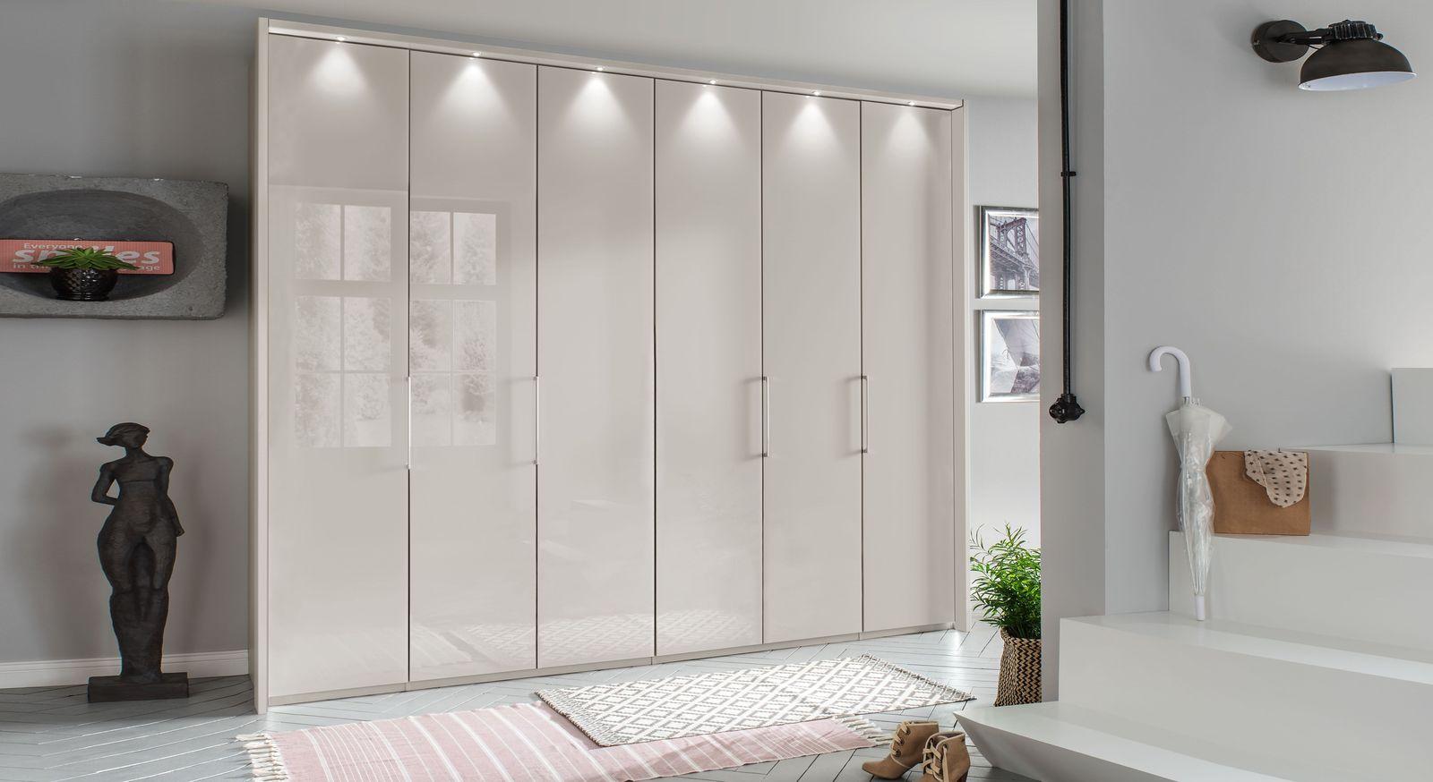 Falttüren-Kleiderschrank Northville optional mit Rahmen und Beleuchtung