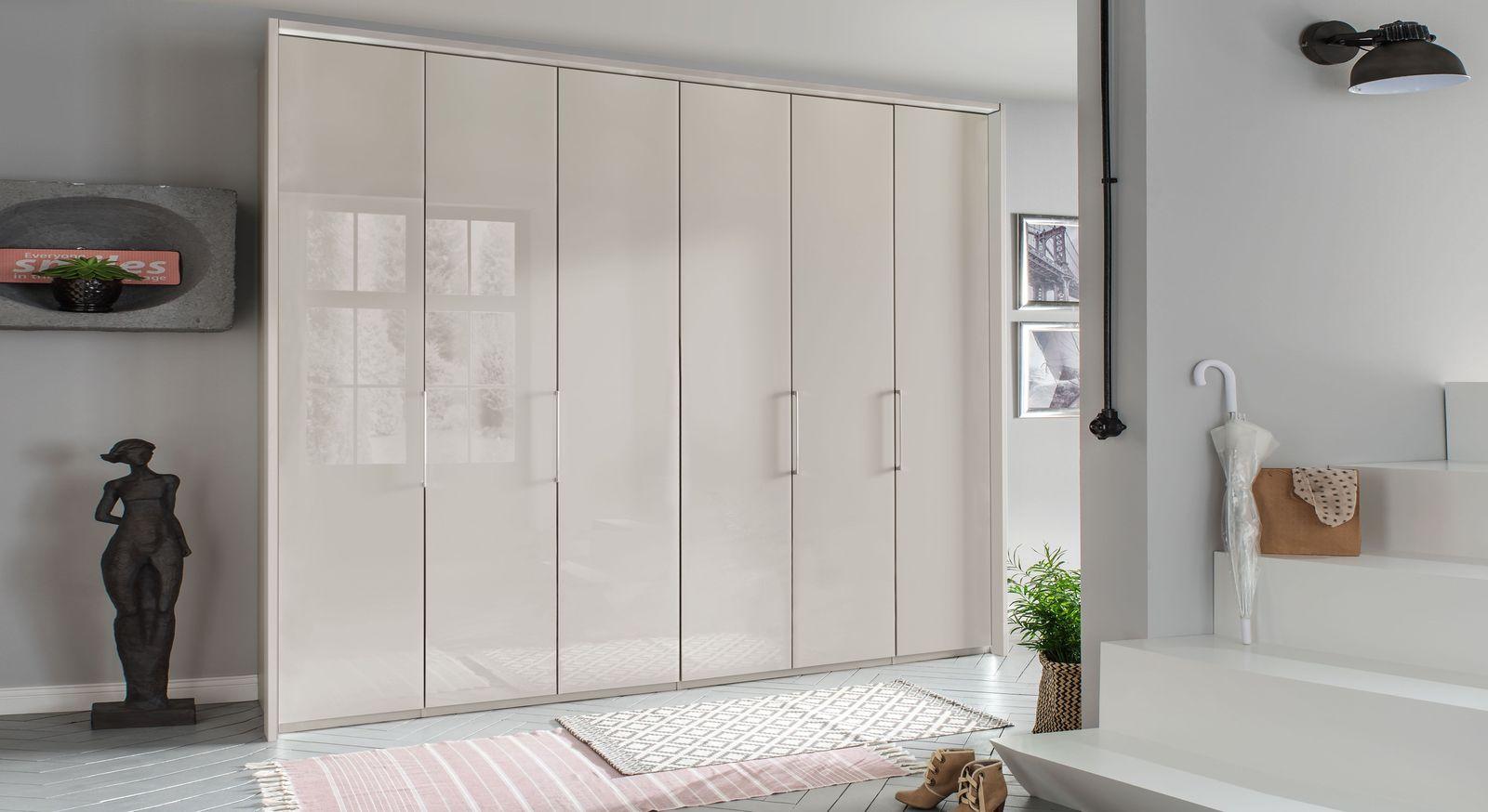 Falttüren-Kleiderschrank Northville mit schmalen Türen