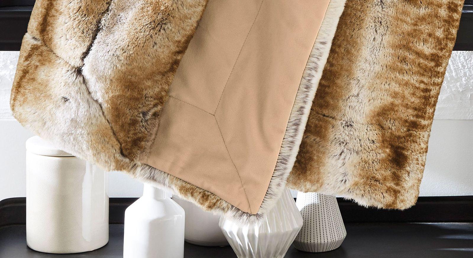 Felldecke bugatti Wildkatze braun in der Komfortgröße 150x200 cm