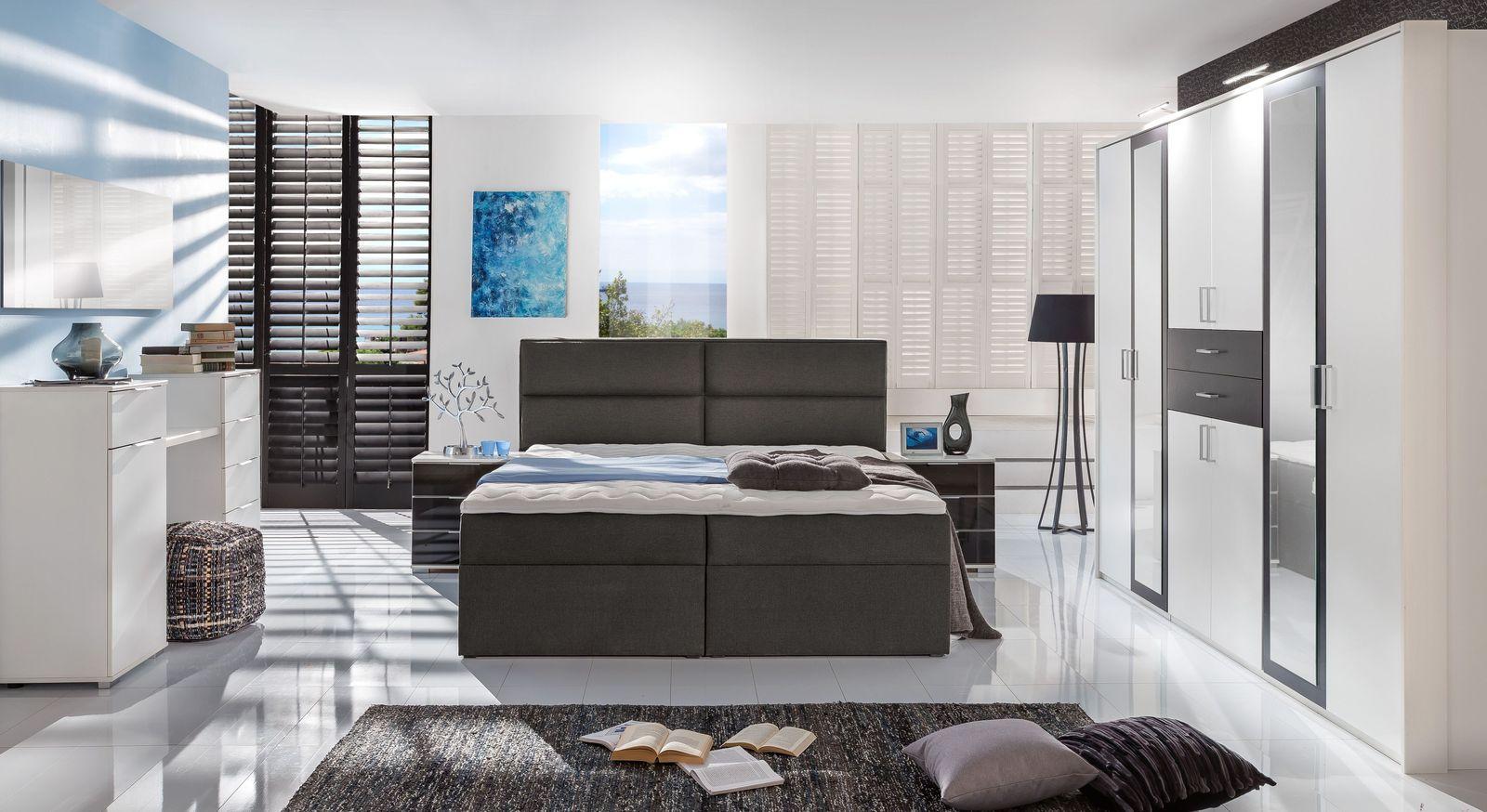 Funktions-Kleiderschrank Belcastro mit passenden Möbeln