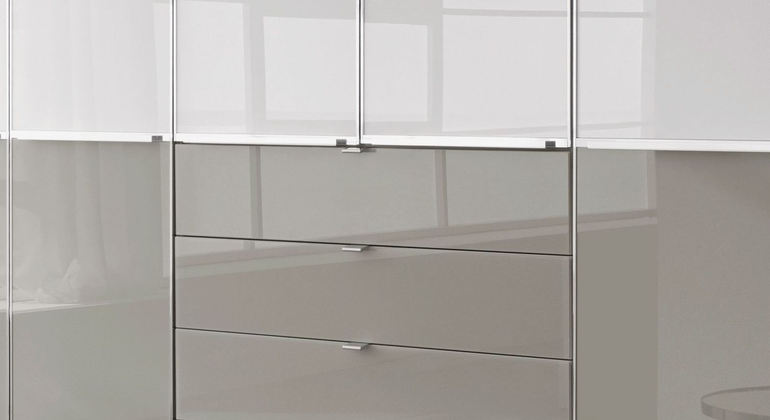 Funktions-Kleiderschrank Shanvalley mit leichtgängigen Schubladen