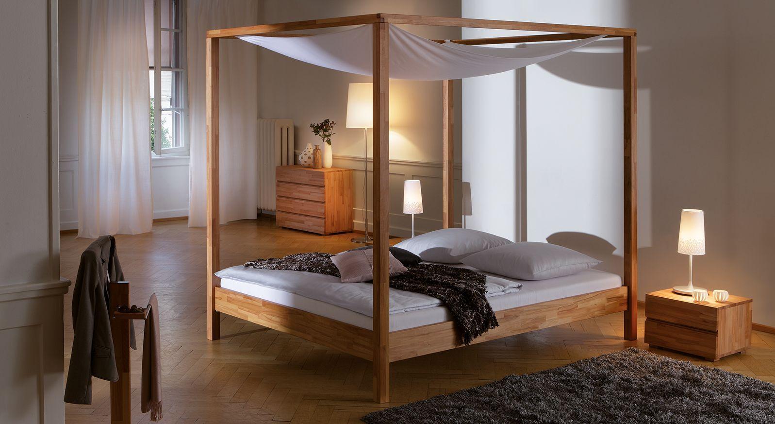 Elegantes Himmelbett Merida aus hochwertigem Buchenholz