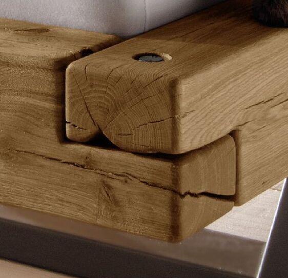 Holzbetten mit nat?rlichen Rissen und Astl?chern