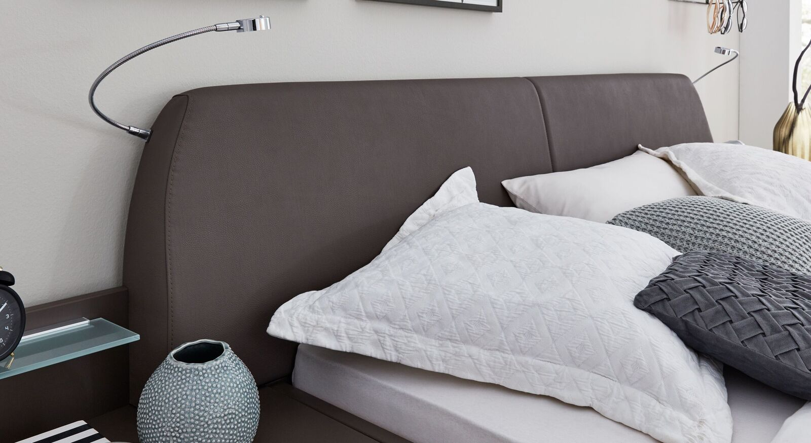 INTERLIVING Bett 1006 mit Kunstlederbezug am Kopfteil