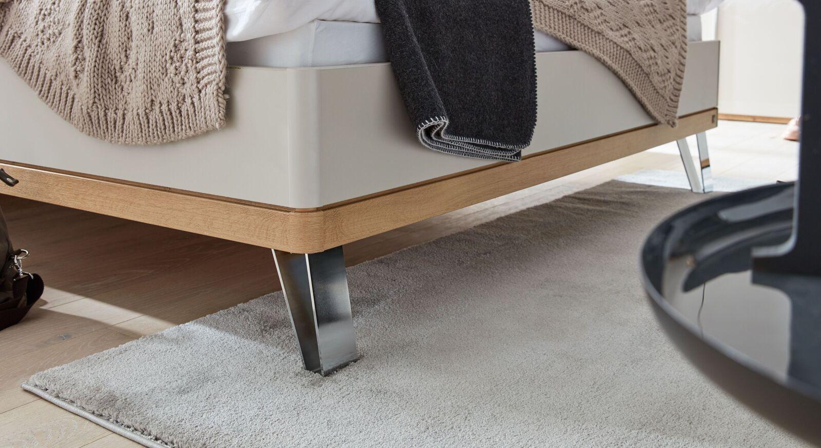INTERLIVING Bett 1017 mit attraktivem Fußbereich