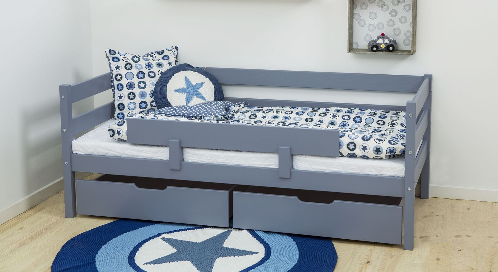 juniorbett 70x160 aus massiver kiefer z b in blau kids heaven. Black Bedroom Furniture Sets. Home Design Ideas