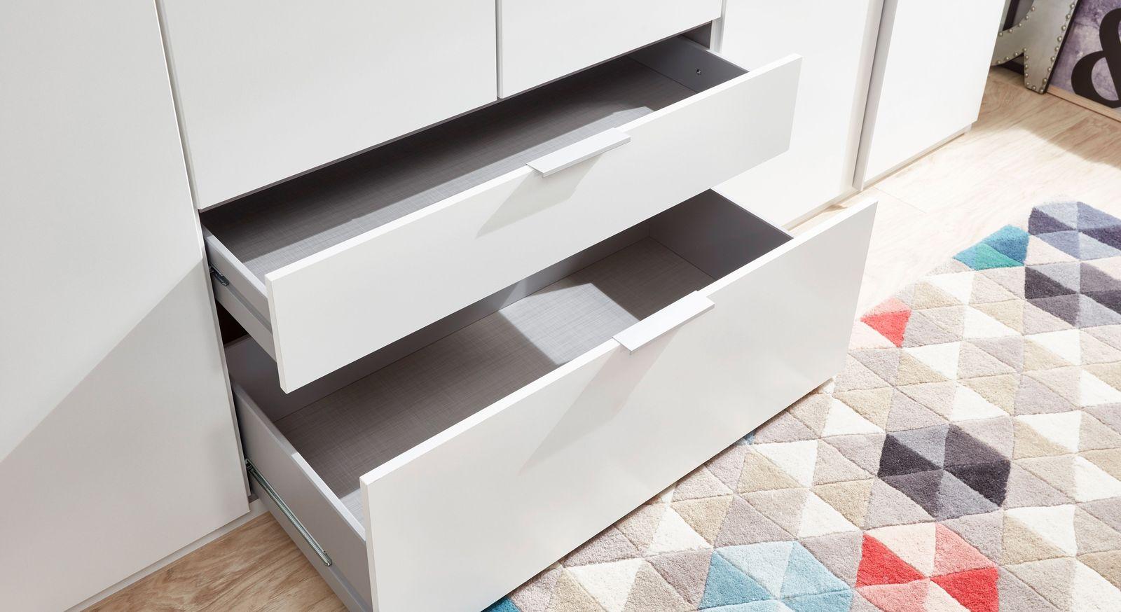 Funktionale Schubladen der Kleiderschränke Esperia