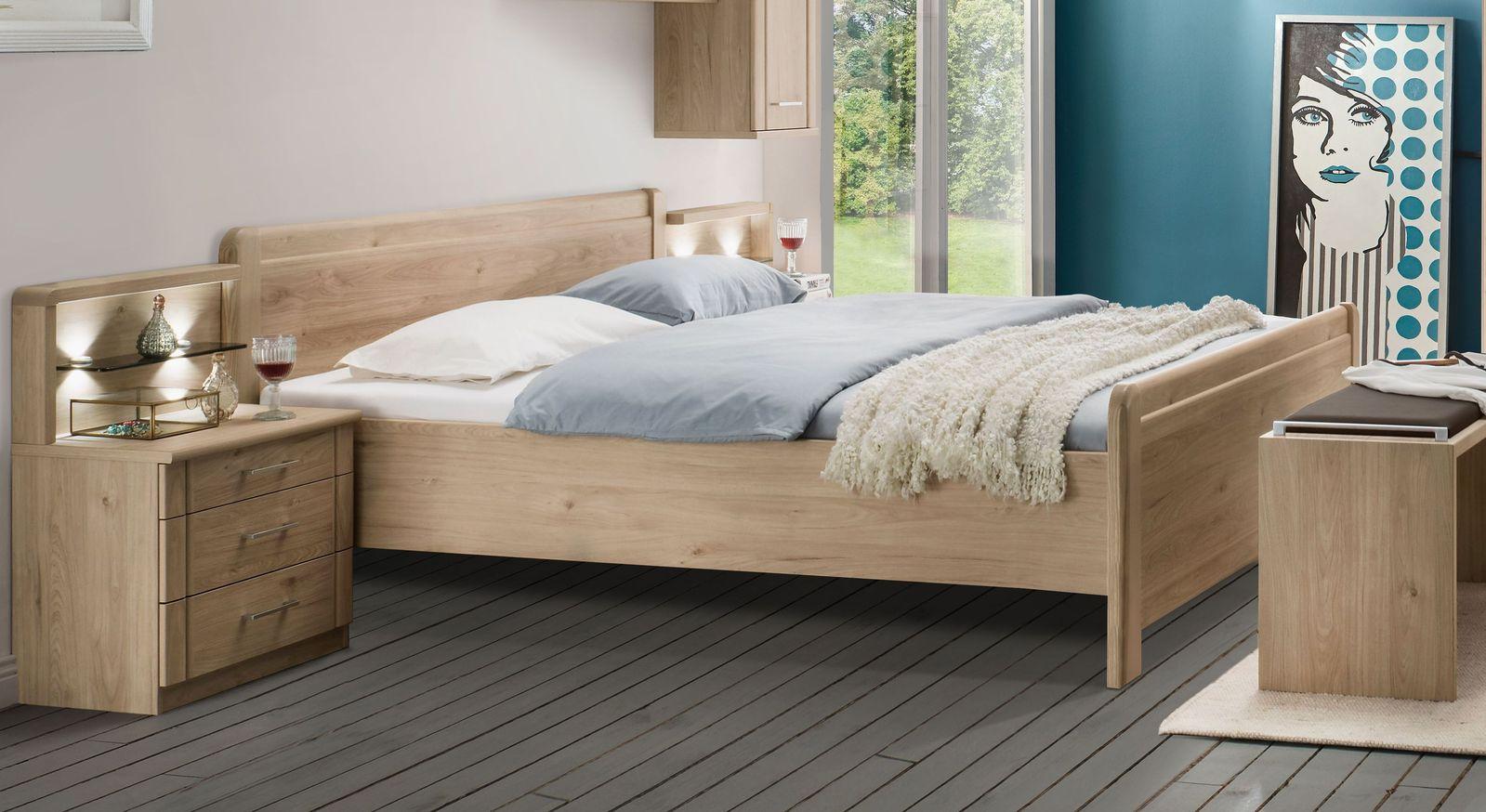 Komfort-Doppelbett Telford mit senkrechtem Kopfteil