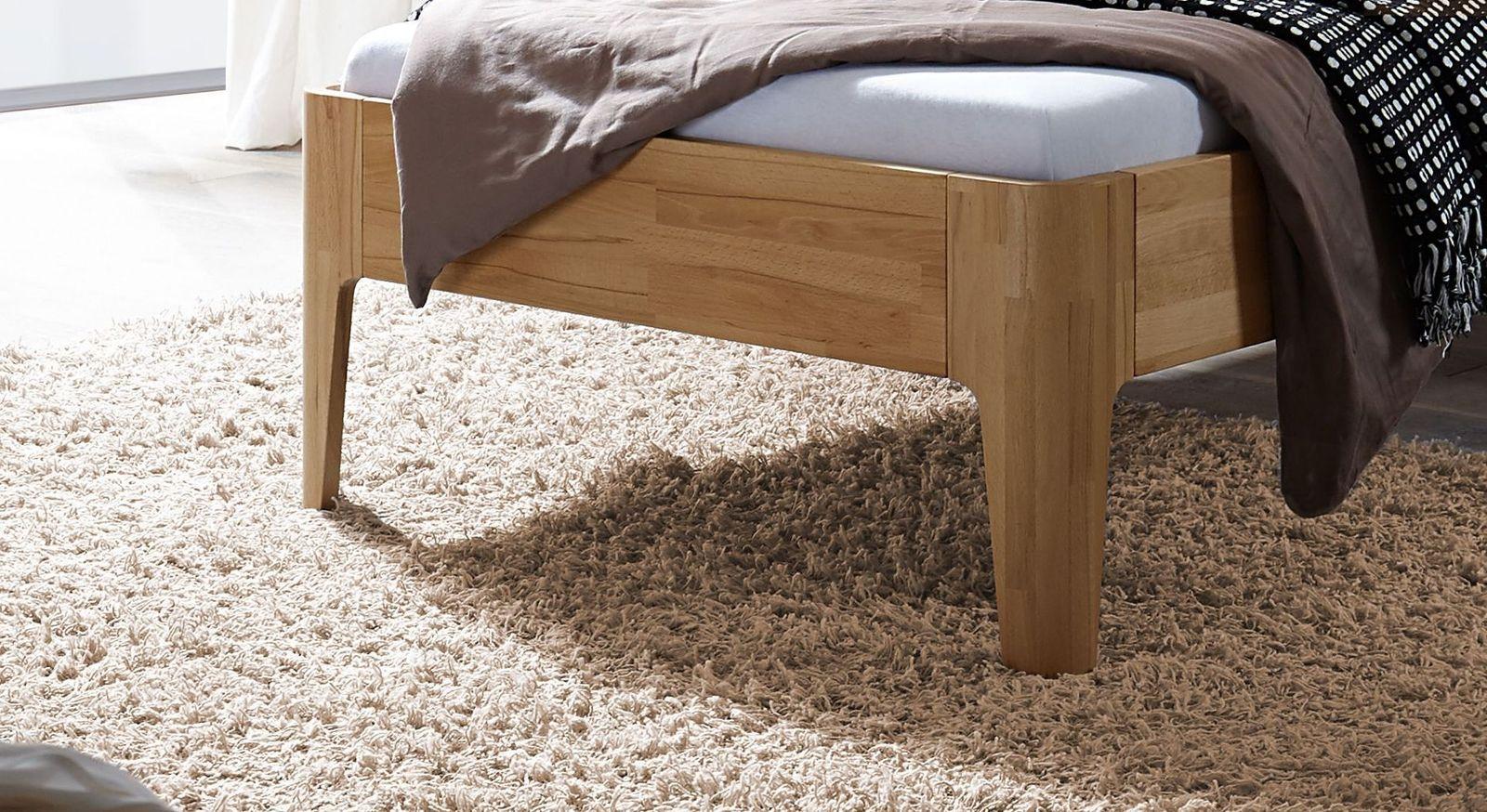 Komfort-Einzelbett Baleira mit abgerundeten Eckfüßen