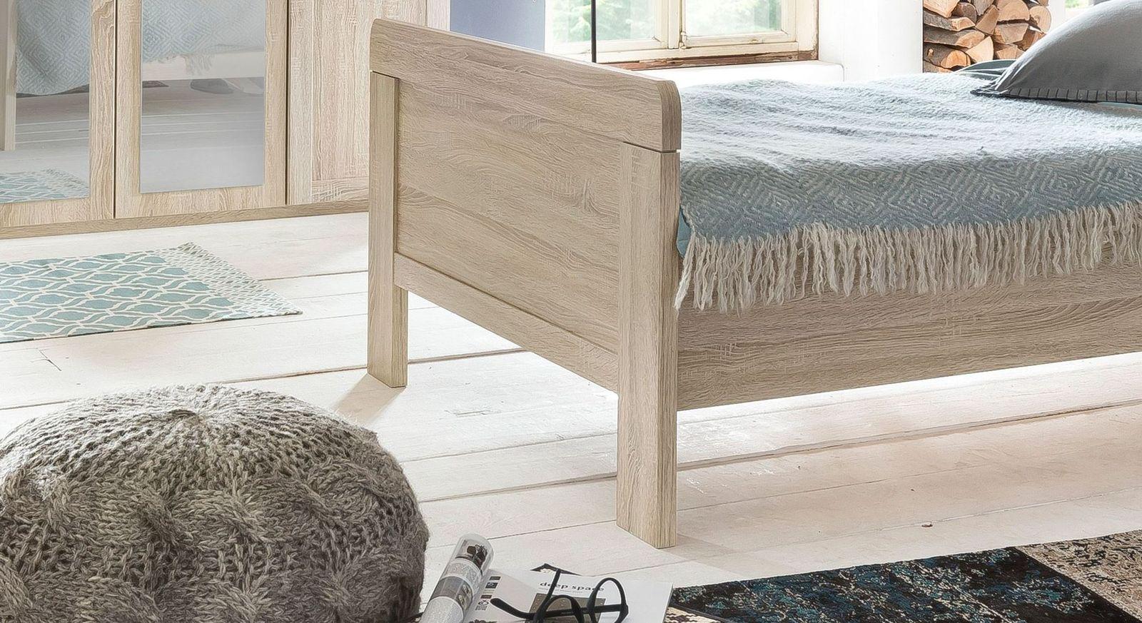 Preiswertes Komfort-Einzelbett Sinello mit hohem Fußteil
