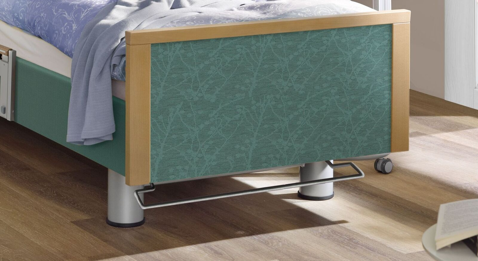 Komfortbett mit Pflegebett-Funktion Sylt mit Metallfüßen