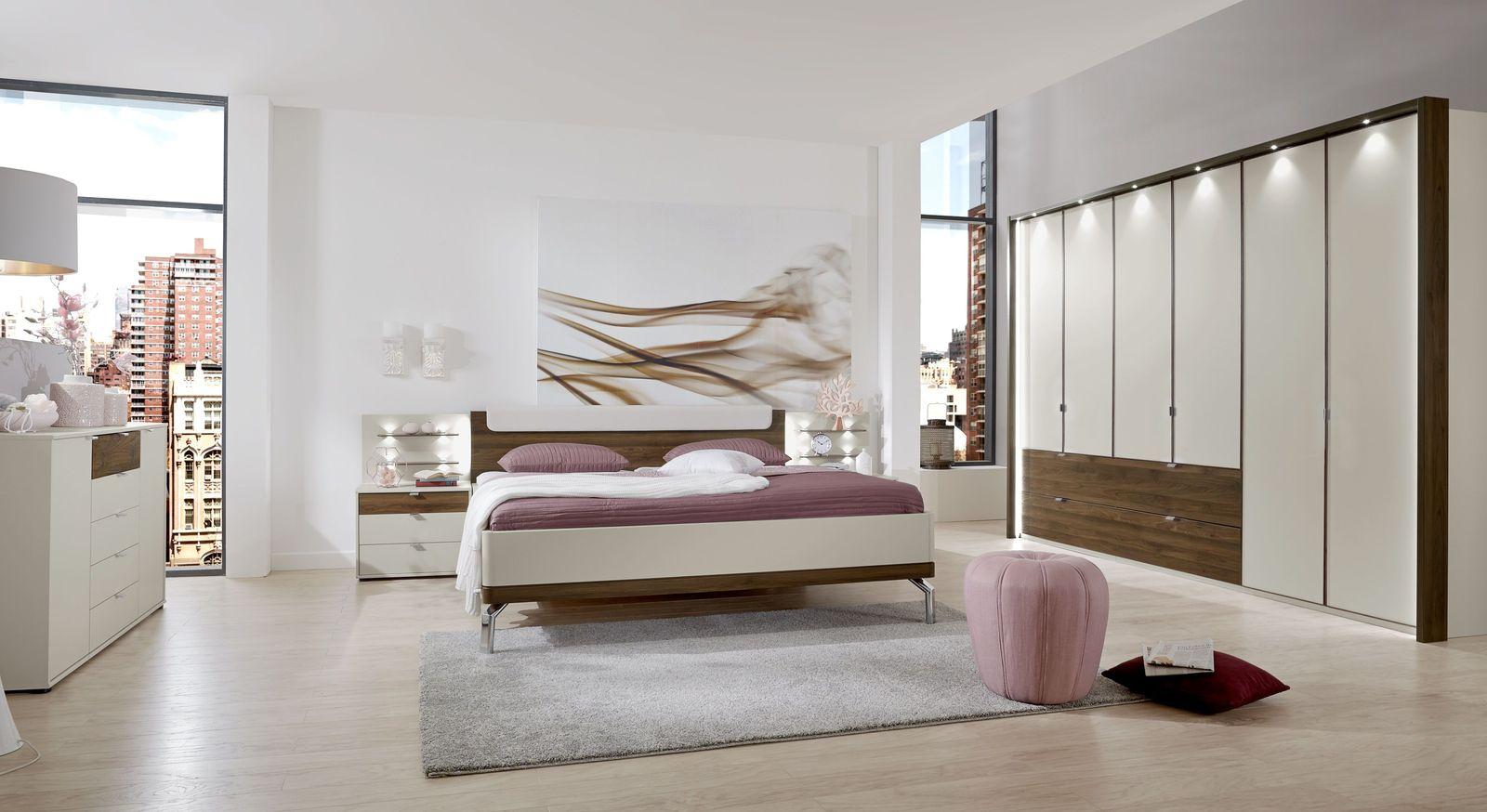 Modernes Schlafzimmer Akola in Nocce und Champagner Dekor