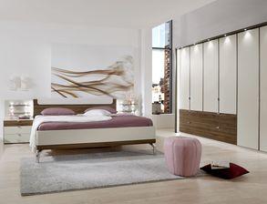 Schlafzimmer komplett einrichten und gestalten bei for Schlafzimmer modern komplett