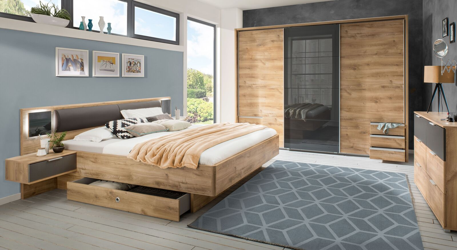 Komplett-Schlafzimmer Alwara mit passenden Möbeln