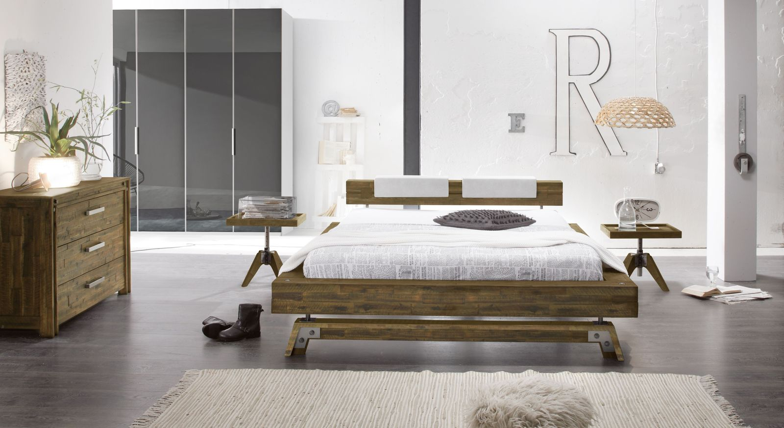 Komplett-Schlafzimmer Molina in rustikalem Style