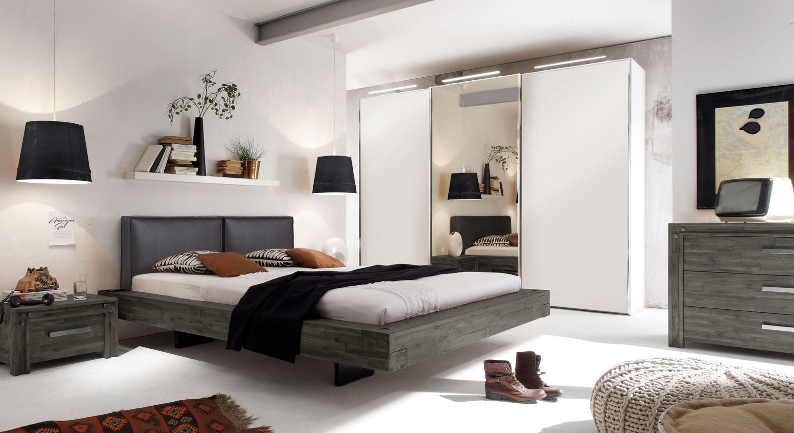 industrial style schlafzimmer mit schwebebett aus akazie. Black Bedroom Furniture Sets. Home Design Ideas