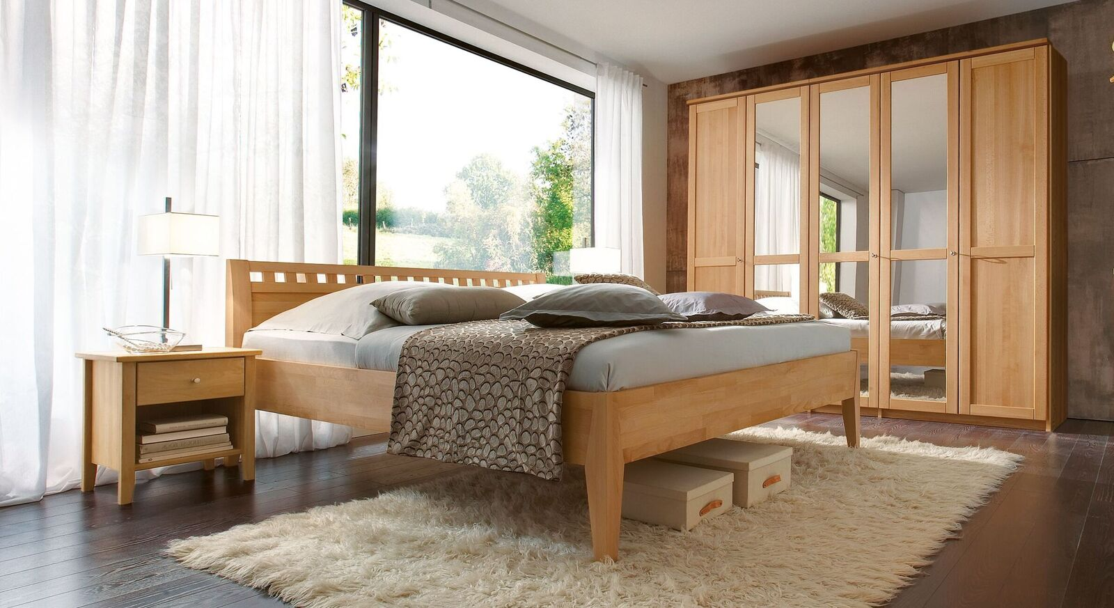 dreht ren kleiderschrank aus buche mit spiegelfront triest. Black Bedroom Furniture Sets. Home Design Ideas