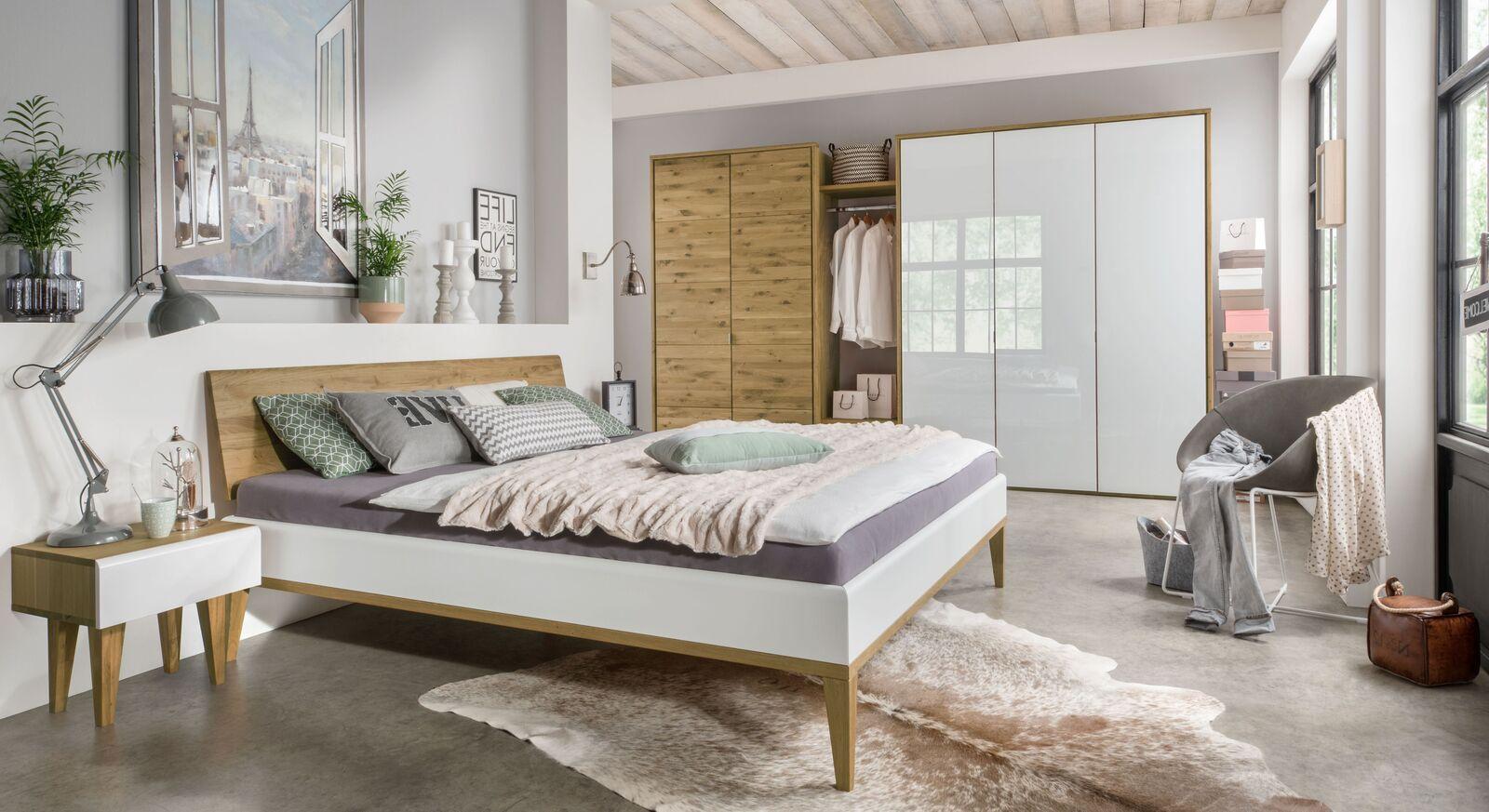 elegante schlafzimmerm bel aus hochwertiger wildeiche vacallo. Black Bedroom Furniture Sets. Home Design Ideas