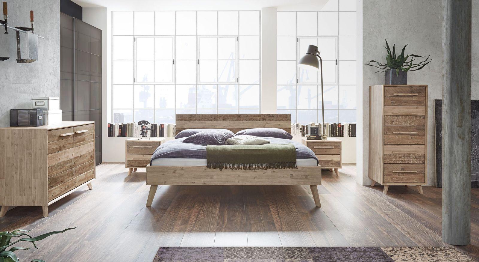 Komplett-Schlafzimmer Vesanto mit passendem Kleiderschrank