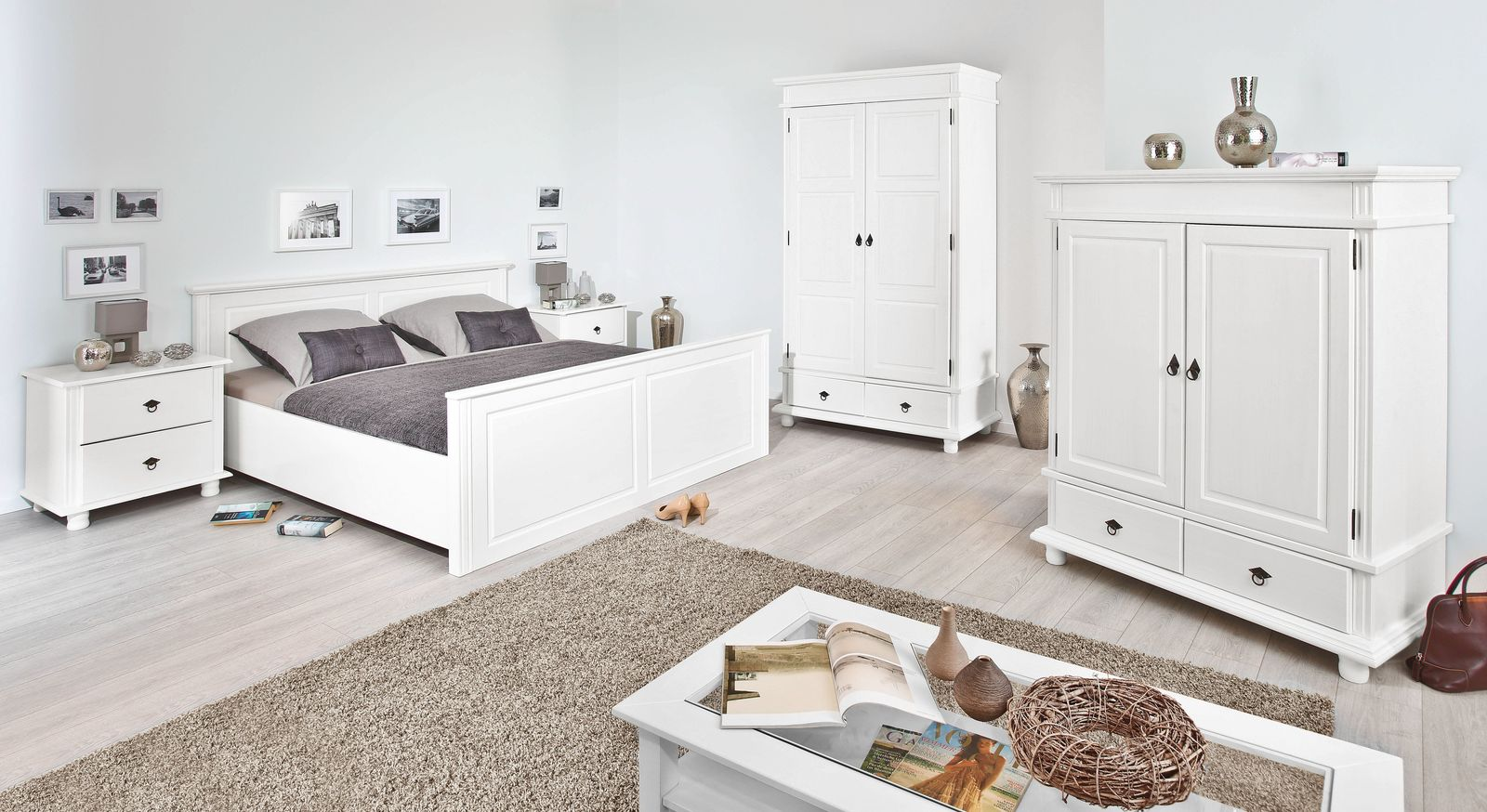schlafzimmer komplett im landhausstil aus wei er kiefer wien. Black Bedroom Furniture Sets. Home Design Ideas