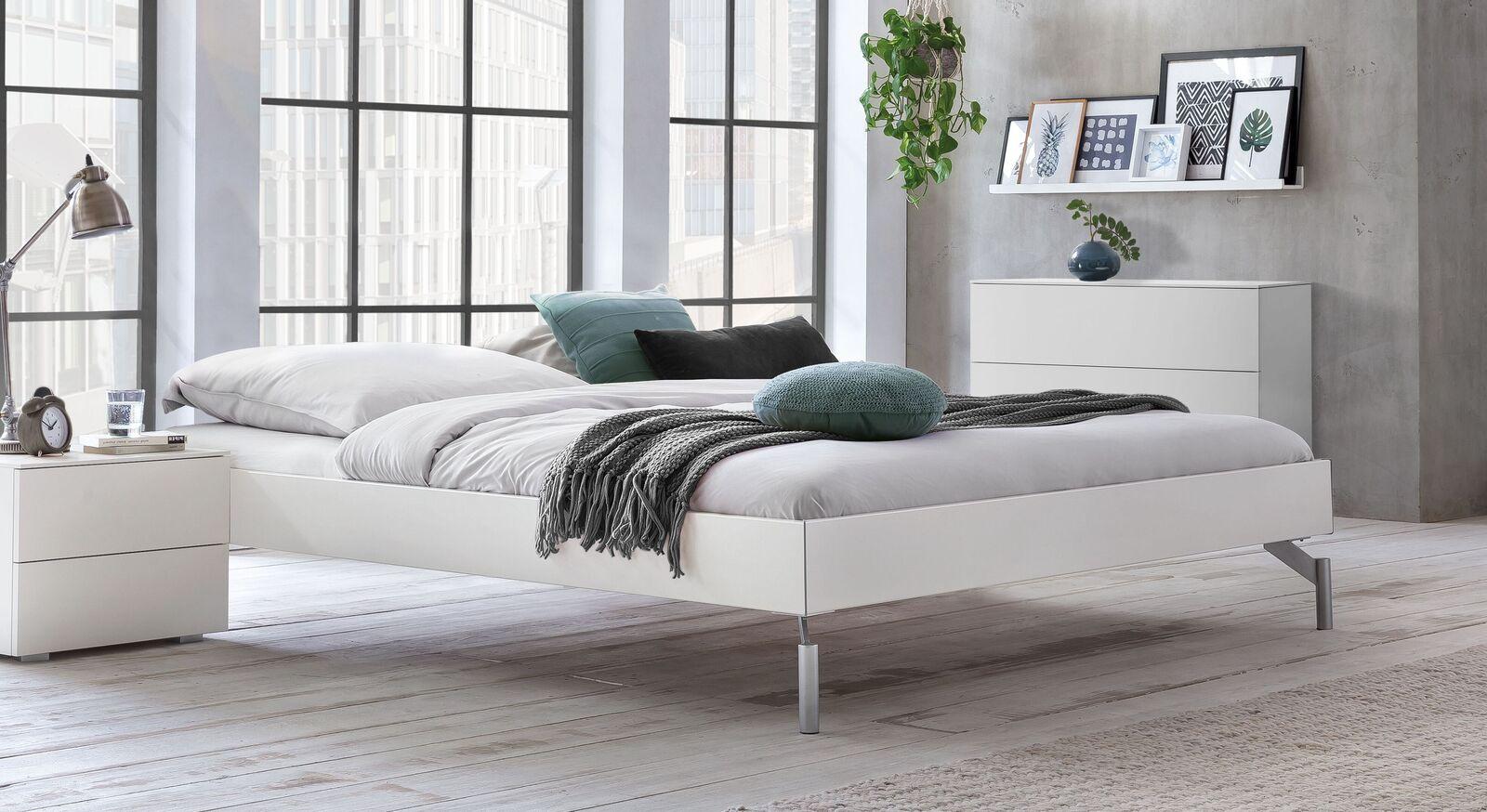 Liege Akuma in weißem Dekor