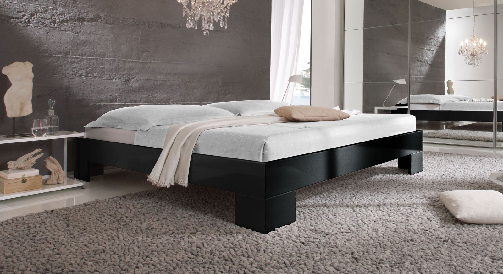 hochglanz liege in schwarz oder wei mit breiten f en arturo. Black Bedroom Furniture Sets. Home Design Ideas