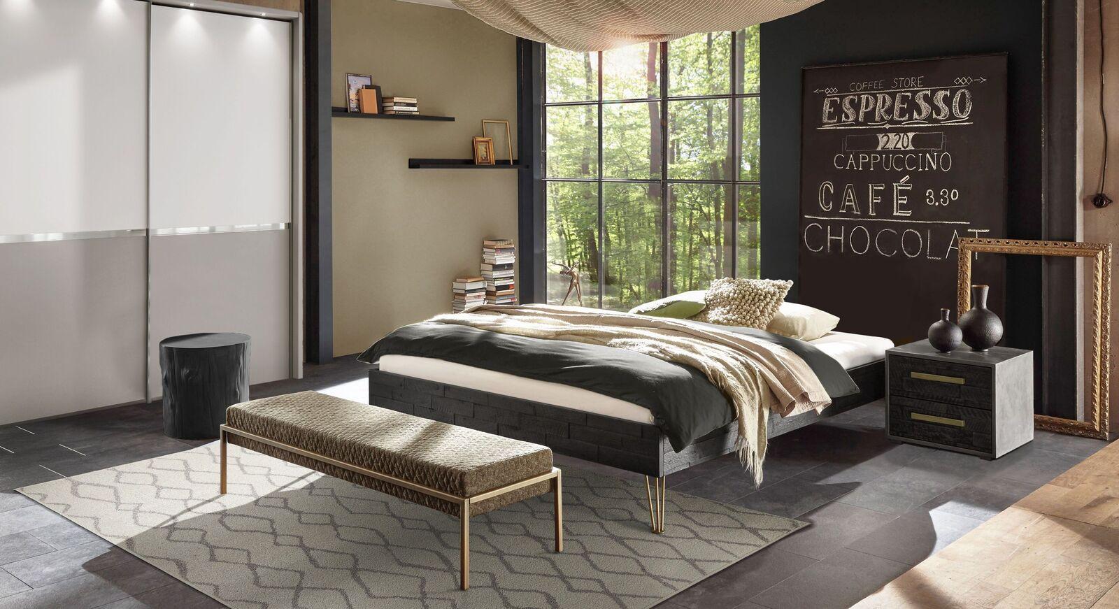 Liege Gran Rosario mit passender Schlafzimmer-Ausstattung