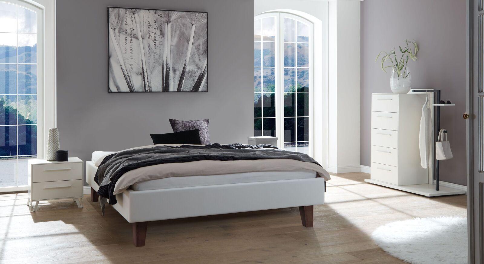 Liege Ikar mit passenden Schlafzimmermöbeln