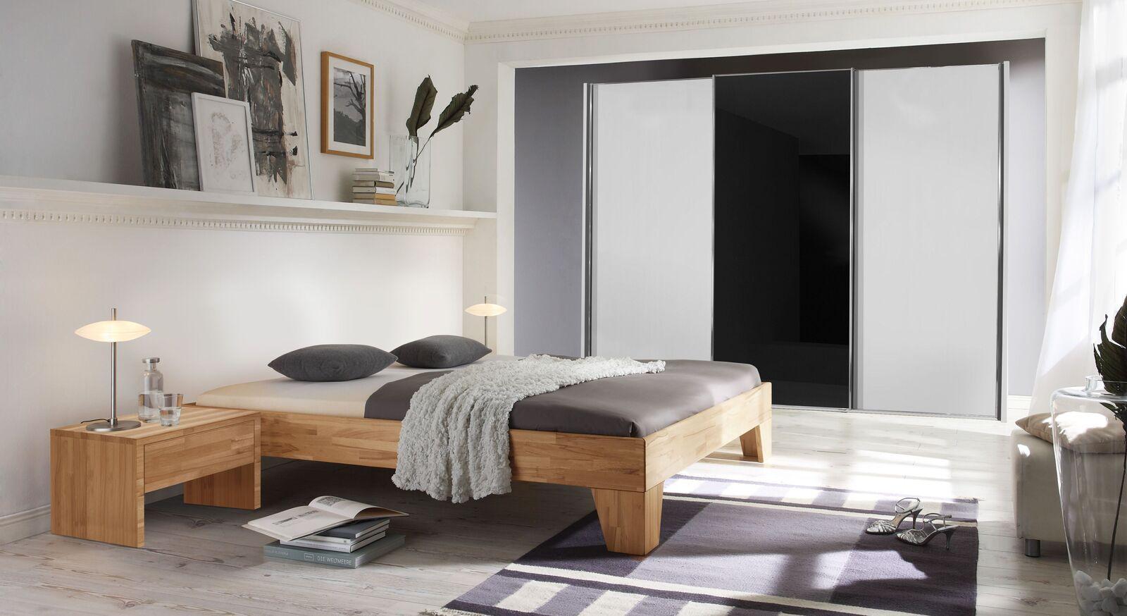Liege Louvera mit passenden Schlafzimmermöbeln