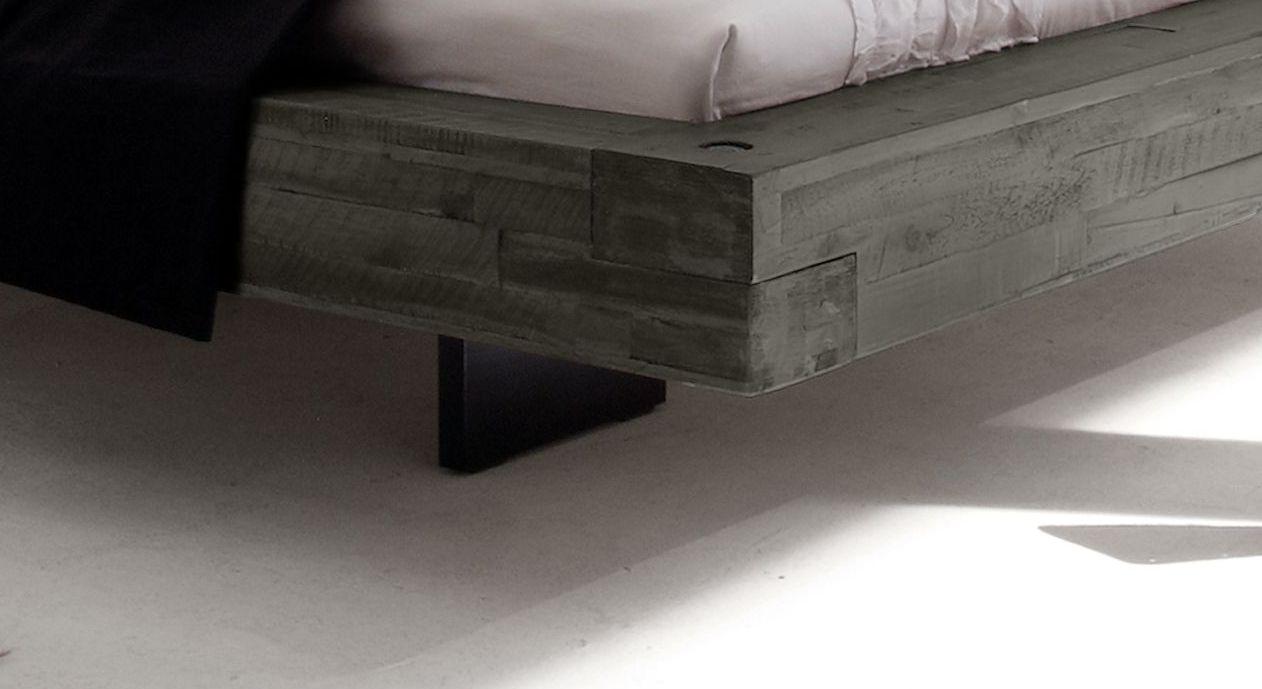 Liege Penco mit versetzten Bettbeinen in Anthrazit