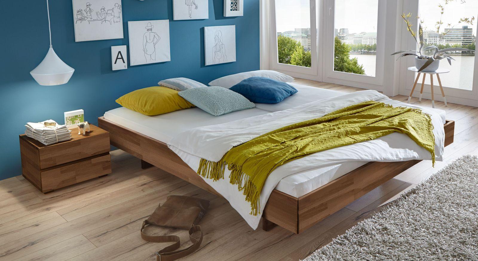 Nussbaumfarbene Liege Rimini mit 18 cm Rahmenhöhe
