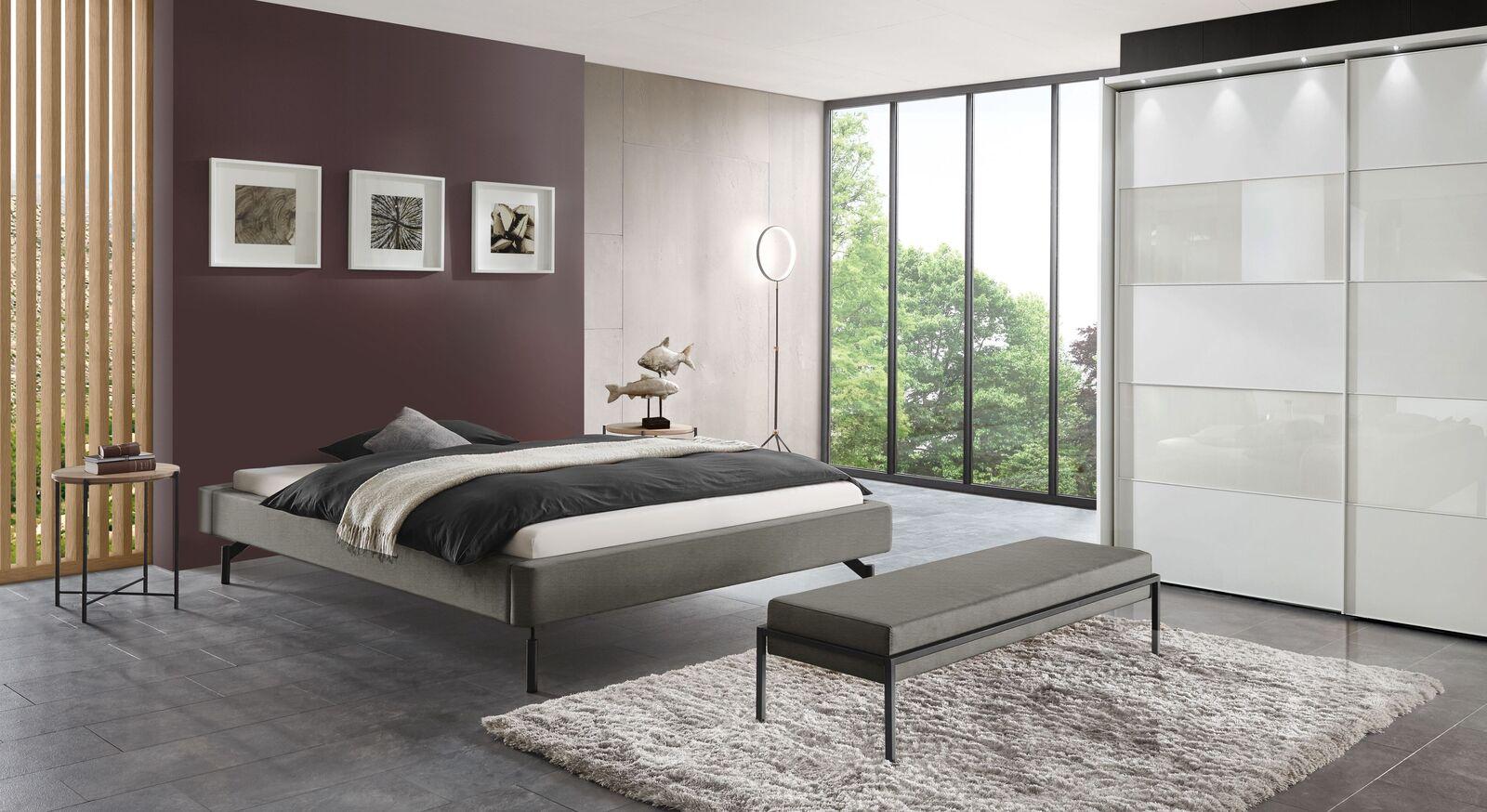 Liege Sotello mit passenden Schlafzimmermöbeln