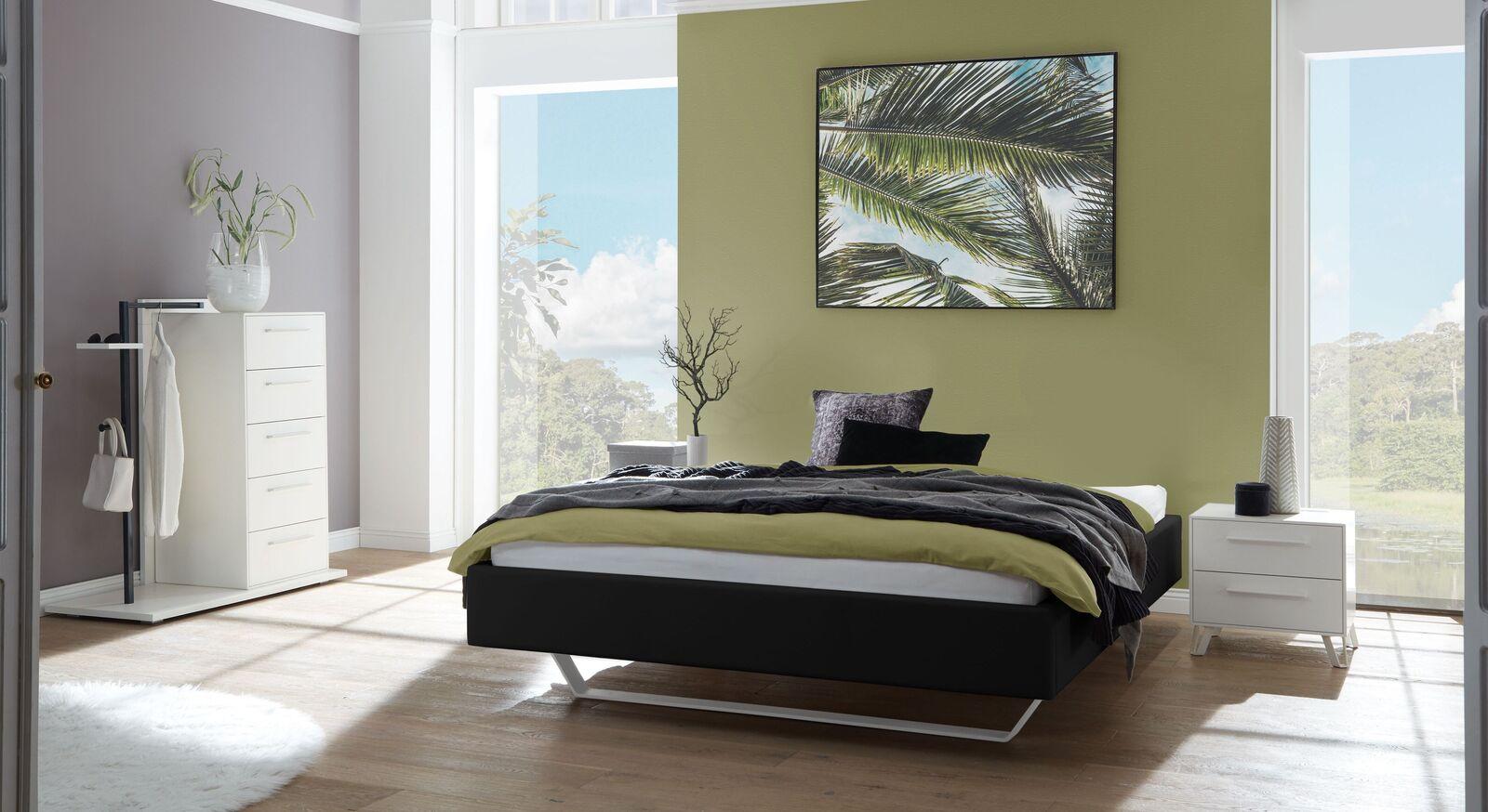 Liege Varisa mit passenden Schlafzimmermöbeln