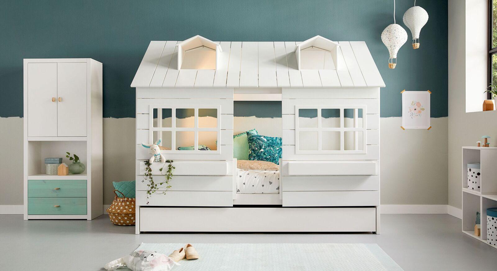 Modernes LIFETIME Hüttenbett Lakehouse mit Fenster