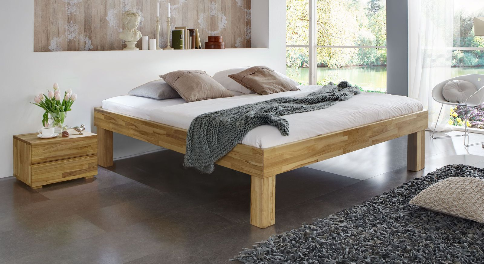 Massivholzliege Madrid Komfort aus Kernbuche mit 30 cm hohen Füßen