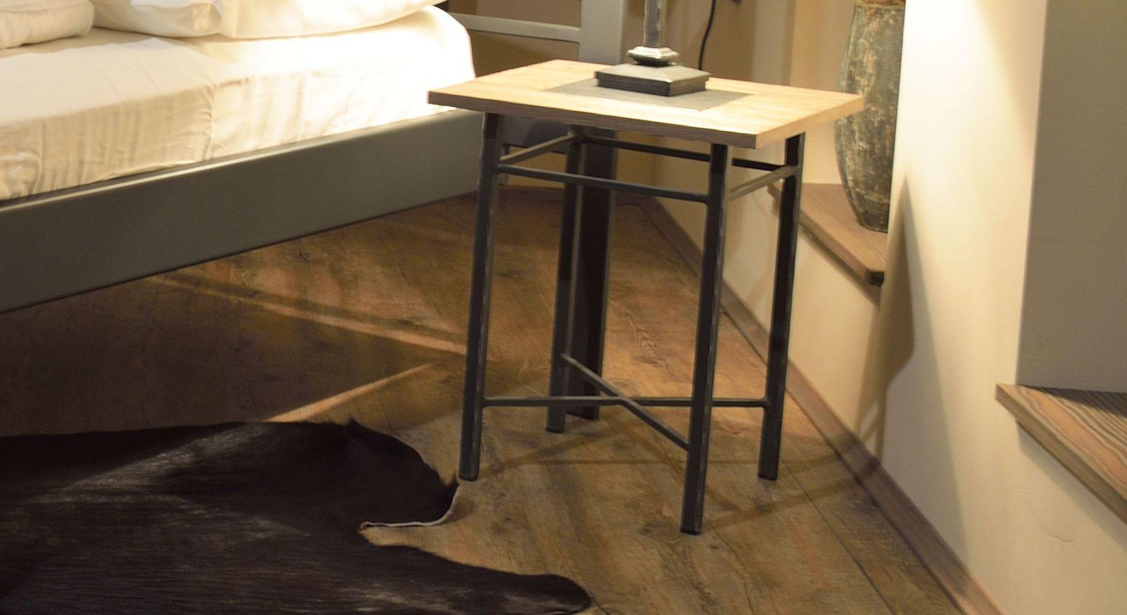 Metall-Nachttisch Tarvisio passend zum Bett
