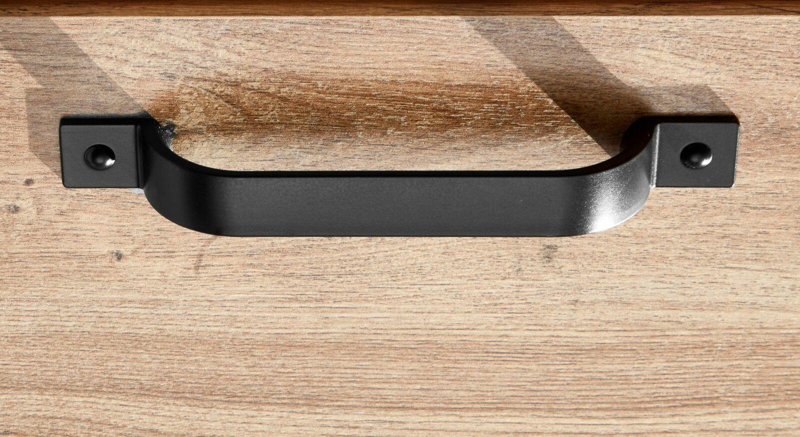 Gerundeter schwarzer Metallgriff in rustikalem Design