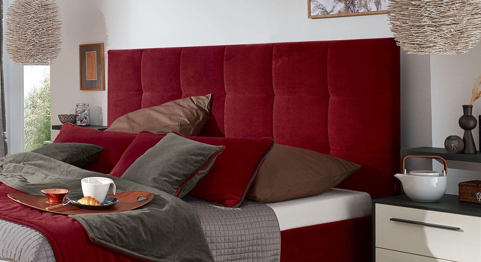 Bequemes MUSTERRING Bett Epos mit Kopfteil in Quadratsteppung