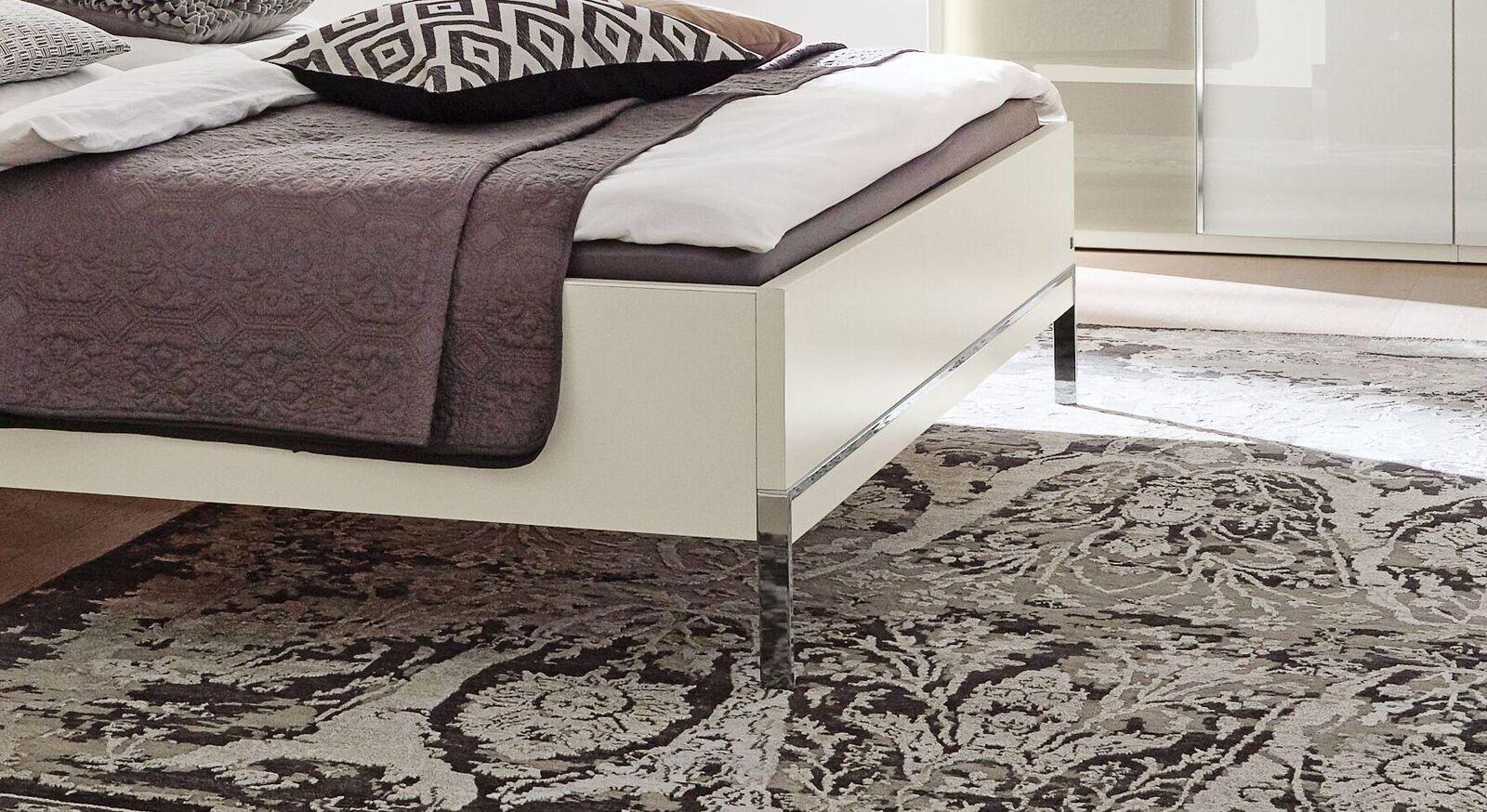 MUSTERRING Bett San Diego Weiß mit eleganten Füßen