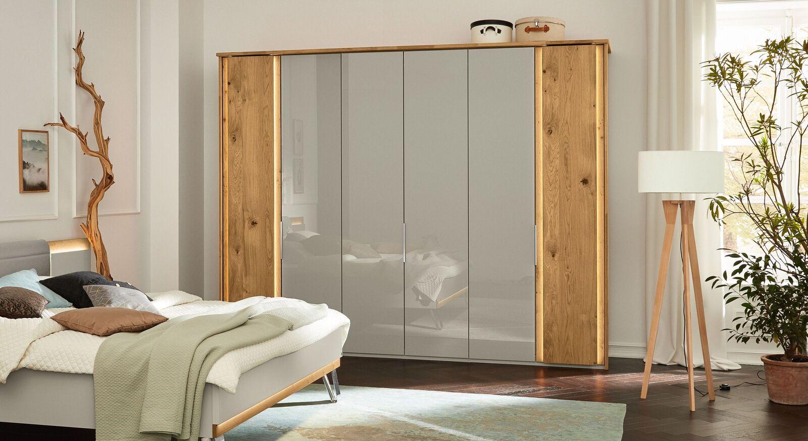 MUSTERRING Drehtüren-Kleiderschrank Saphira Mix aus kieselgrauer- und Holzfront