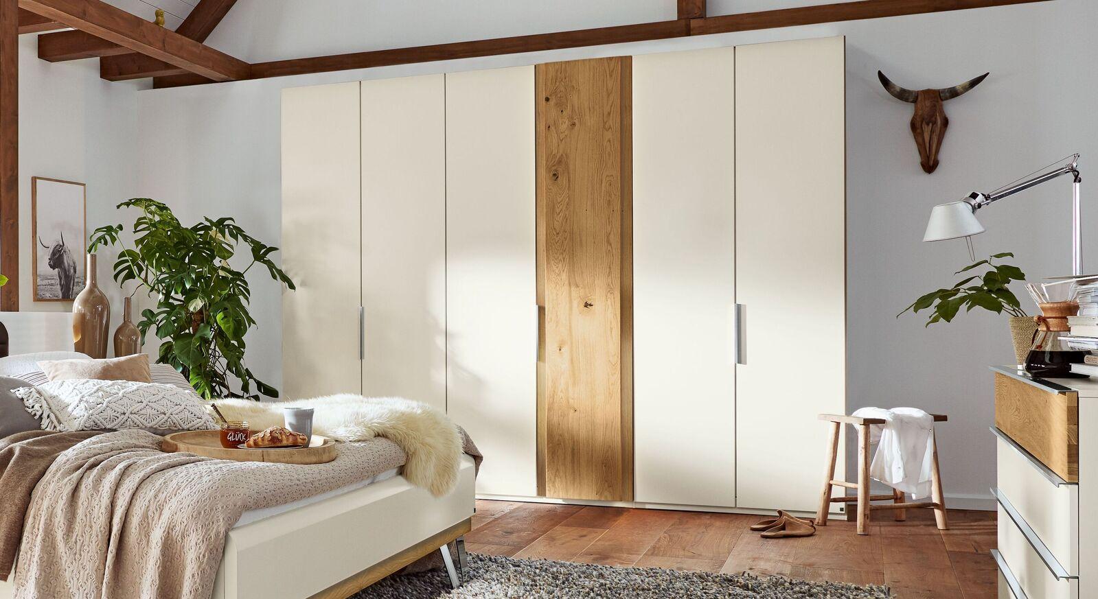 Musterring Drehtüren-Kleiderschrank Saphira Weiß mit schmalen Griffen