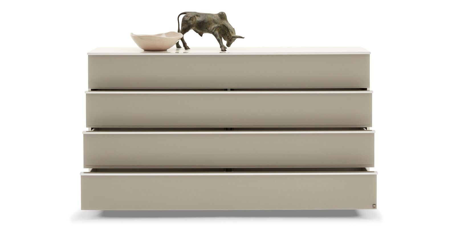 Praktische und geräumige MUSTERRING Schubladen-Kommode San Diego Weiß mit eleganten Girffleisten
