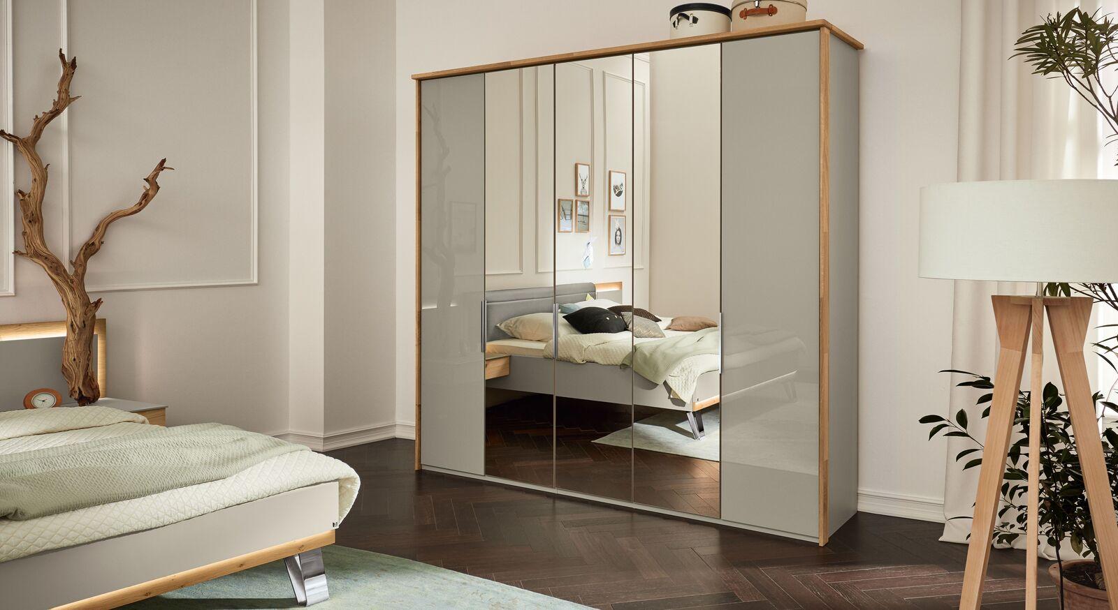 MUSTERRING Spiegel-Kleiderschrank Saphira kieselgrau in trendigem Materialmix