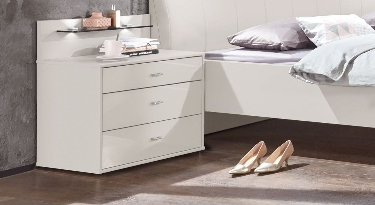 Nachttisch Chandler Komfort mit unterschiedlichen Schubladen