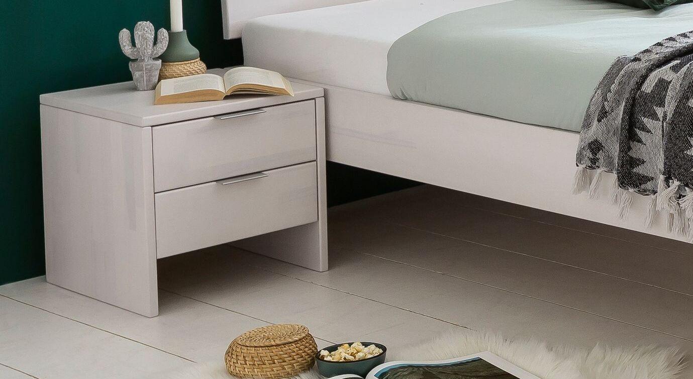 Nachttisch Tanu aus weiß lackierter Kernbuche